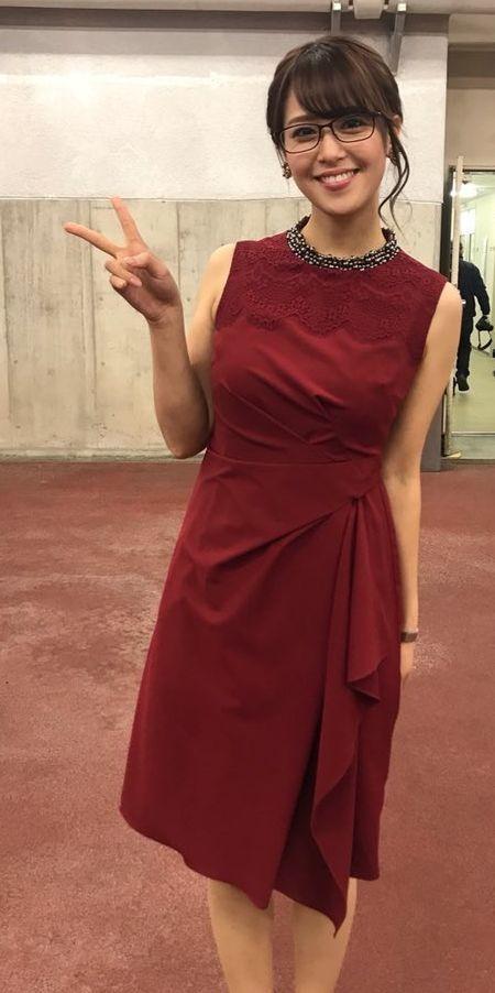 鷲見玲奈ワイン色のドレス素敵
