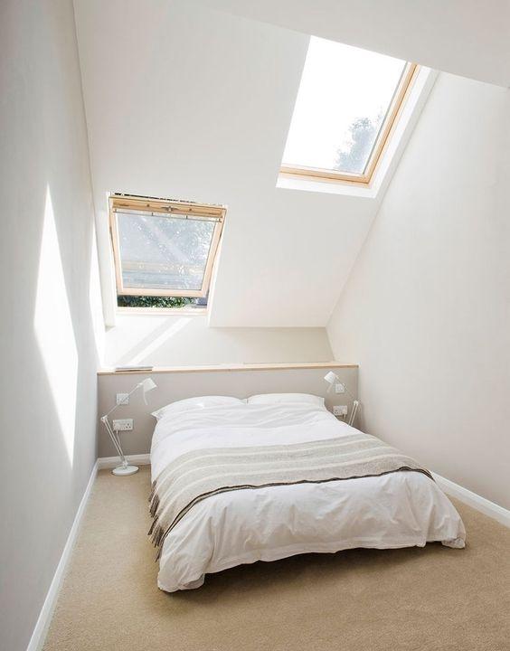 Storia della rinascita di una piccola casa a schiera a Londra #attic #bedroom #skylighs http://www.mansarda.it/mansarde/una-piccola-casa-a-schiera-a-londra/