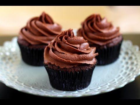 Receita Fácil: Cupcake de Chocolate no Microondas - YouTube