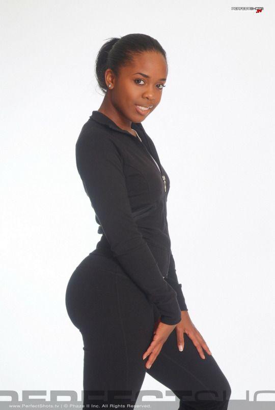 ♚ Queen Ayisha Cottontail