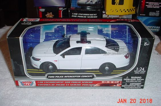 Motor Max 2011 Ford Taurus Concept Plain White Wrapper Police 1 24