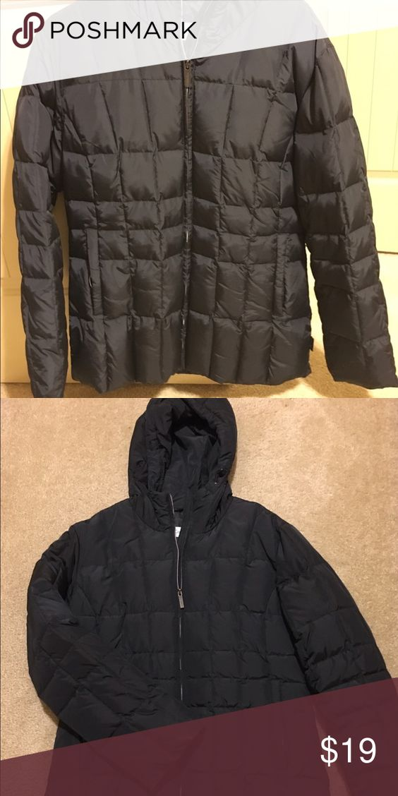Calvin Klein puffer coat Calvin Klein puffer coat. Black, very warm puffy coat. Brand new condition. Calvin Klein Jackets & Coats Puffers