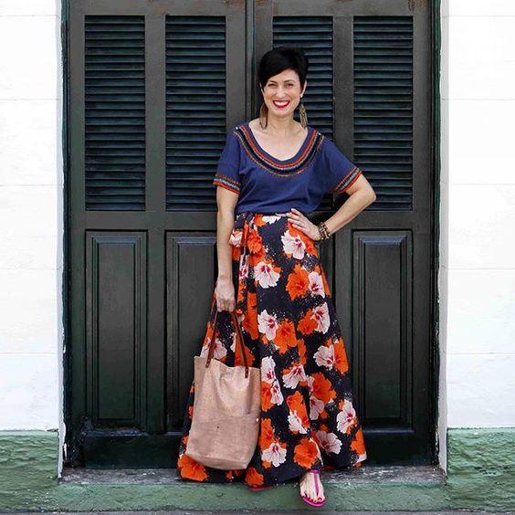 Mais uma do meu look produzido no @circuitomodacarioca - a saia e as pulseiras vieram pra casa comigo ❤️❤️ (mais informações na foto…