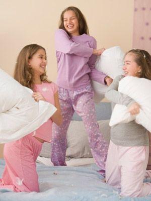 ¿Quieres preparar una fiesta de pijamas muy especial para tus pequeños? Te damos unas ideas en nuestro post.  #fiesta #pijamas #ideas #decoración