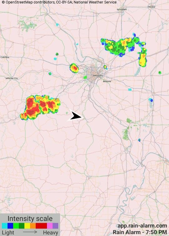 Park Hills, MO-It's actually a lot closer than the radar is showing. Nice lightning show going on!