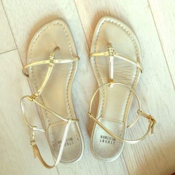 Stunning Stuart Weitzman Gold Sandals Perfect for Spring/Summer. Absolutely gorgeous Stuart Weitzman sandals in very good condition! Stuart Weitzman Shoes Sandals