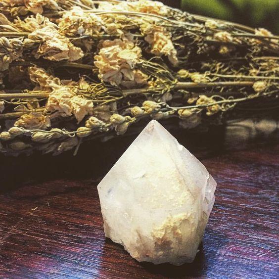 FOXLARK Crystals & Jewelry Candle Quartz