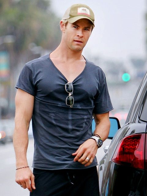 Chris Hemsworth Height Weight Body Statistics. Chris Hemsworth Height -1.91 m, Weight -91 kg, Measurements -Chest -48 inches, Biceps -16, Waist -33, Fave