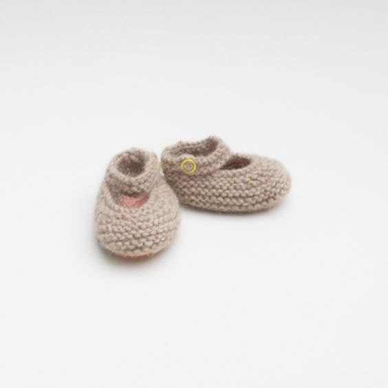 Booties hand made in Alpaca and Merino, perfect for the up coming winter .