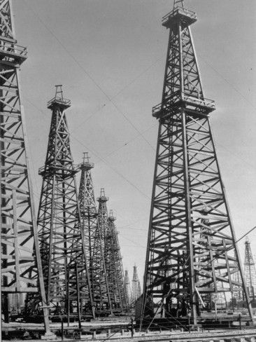 vintage oil rig photos. I like the lines and shapes of what makes up a oil rig