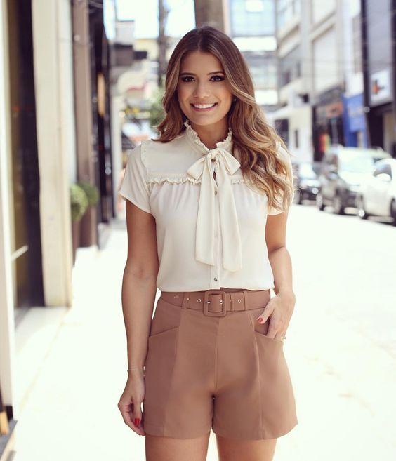 """""""Fazendo minhas escolhas @modaschouchou Camisa de laço com shortinho cintura alta ❤️ Clássico chique que a gente ama!"""":"""