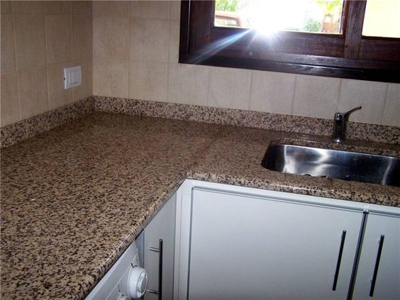 """Granito """"Marrón coco"""" - cocina"""