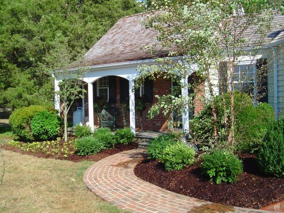 Foundation plantings trees bushes and ground cover oh for Foundation planting plans