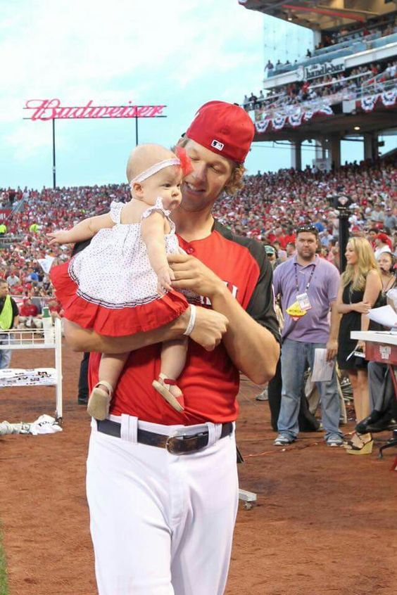 Kershaw and his baby girl