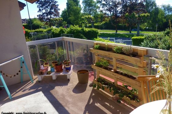 diy porte plante palette d co jardin pinterest bricolage et r utiliser. Black Bedroom Furniture Sets. Home Design Ideas