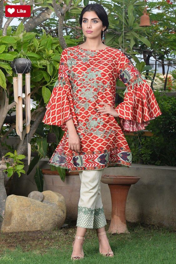 Printed red short frocks with wide sleeves