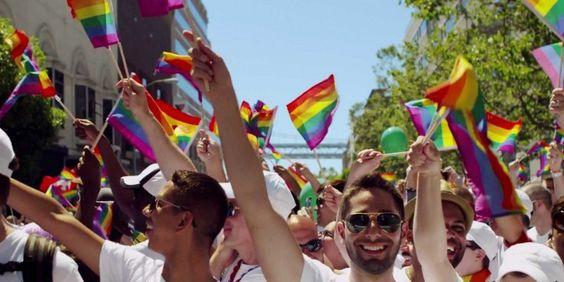 Podemos perceber que os tempos mudaram quando a luta dos movimentos LGBT (Lésbicas, Gays, Bissexuais, Travestis e Transexuais) que era dura e solitária, ganhou um apoio poderoso nos últimos acontecimentos. Atualmente a pauta nos Estados Unidos é um projeto de lei chamado House Bill (HB) 757 que desobriga profissionais da esfera pública a aceitar realizarLei mais