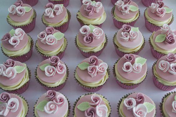 Pink Rose Cupcakes   Flickr: Intercambio de fotos