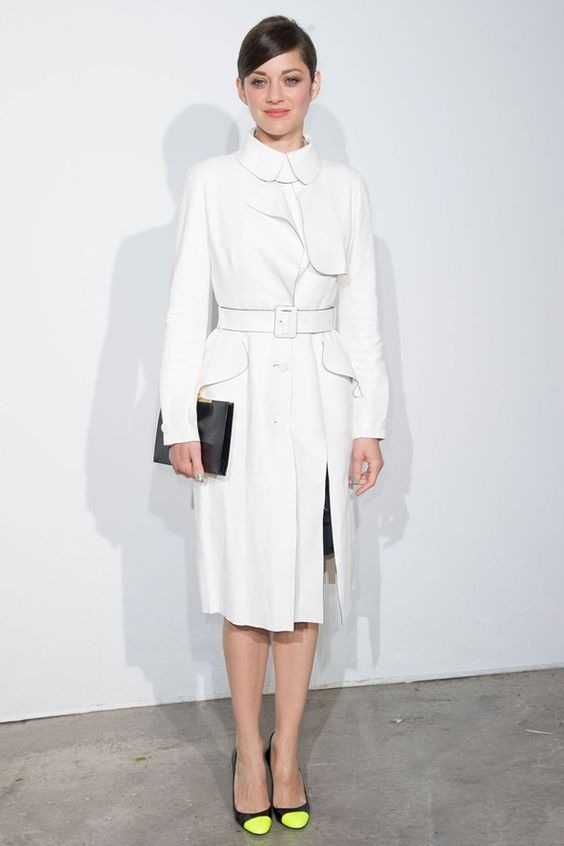 Marion Cotillard in a Dior white trenc coat from the pre-autumn/winter 2013-14 collection.