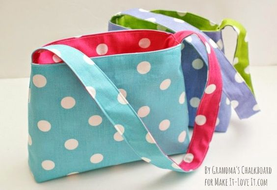 Easy reversible bag tutorial - makeit-loveit.com - My little girl needs one of these!!!