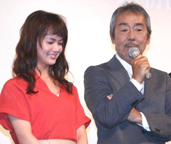 寺尾聰さんと2ショットの多部未華子