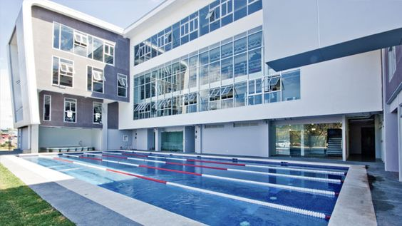 El Gimnasio con piscina en San Jose es muy bonito.