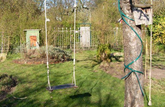 Keine Kinder, keine Blaumeisen – heute ist es mal ganz ruhig im Garten.  blog.bremen-tourismus.de/der-kleingarten/