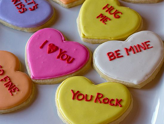 Conversation Heart Cookies with royal icing via @Browneyedbaker