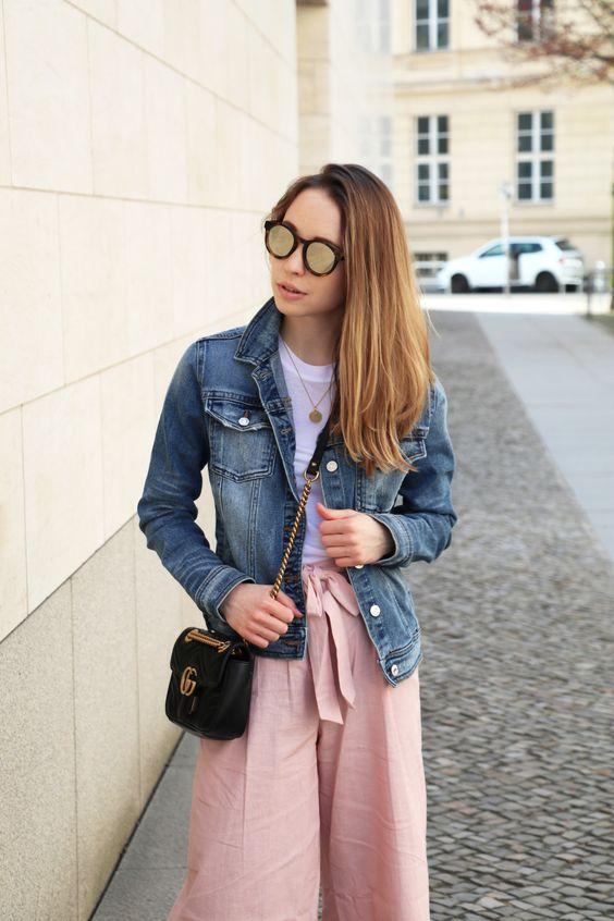 rosa-culotte-von-asos-jeansjacke-puma-sneakers-stylemocca