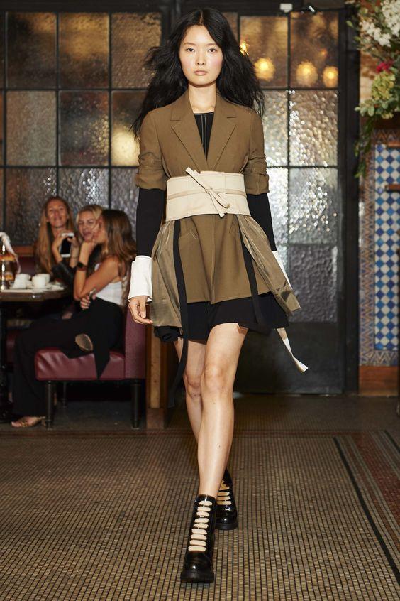 Cinq à Sept Spring 2017 Ready-to-Wear Collection Photos - Vogue