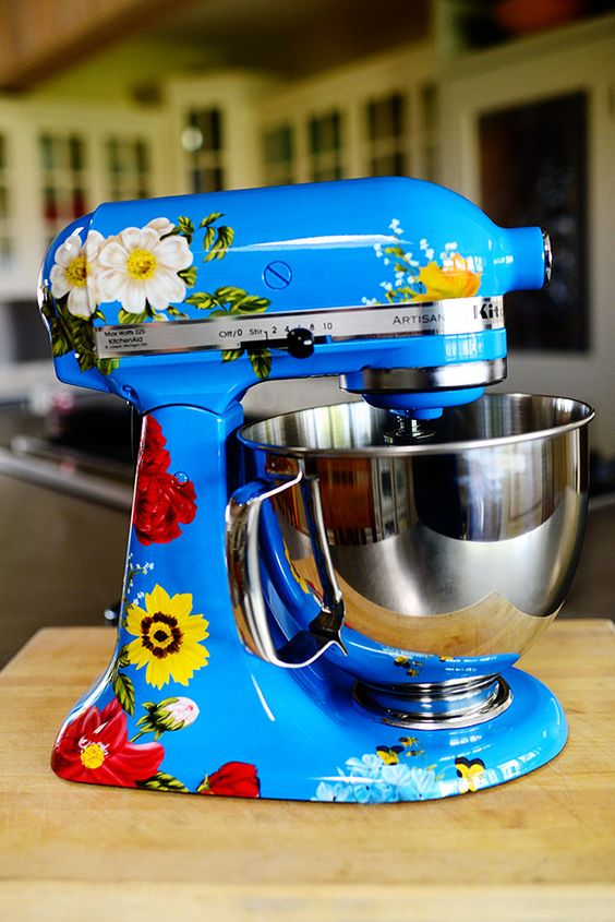 Custom hand painted kitchen aid mixer un amore by nicole dinardo made specifically for the - Decorated kitchenaid mixer ...