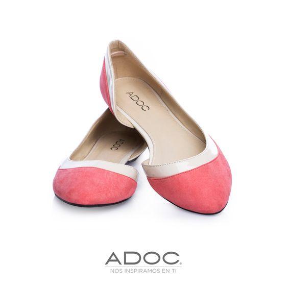 Zapatos Yin de ADOC disponibles en color negro y dorado.