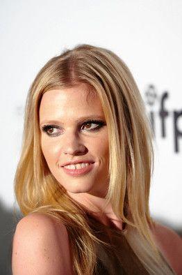Model Lara Stone