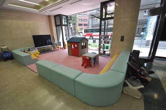 【藤和ハウス立川店 キッズスペース写真】 とっても広いキッズスペースがございますので、お子様がご一緒でも安心です。