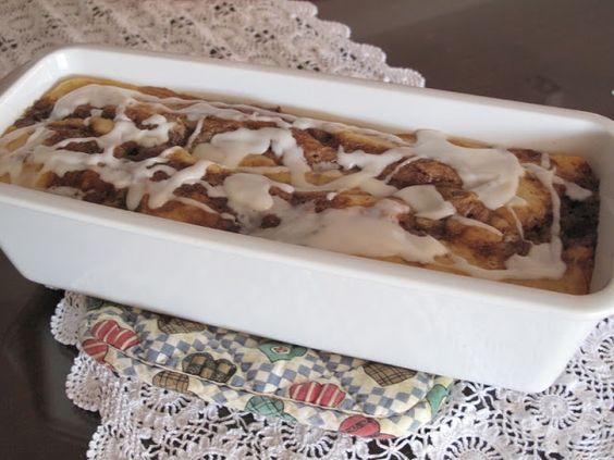Receitas - From our home to yours - Português: Cinnamon roll cake, um bolo com sabor de rosquinha de canela!