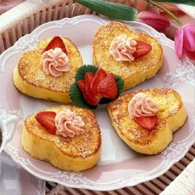 7 Valentine's day #Breakfast-for-dinner recipes, #valentine's day Would be a cute, fun way to greet the hubby and kids on V-day morning.