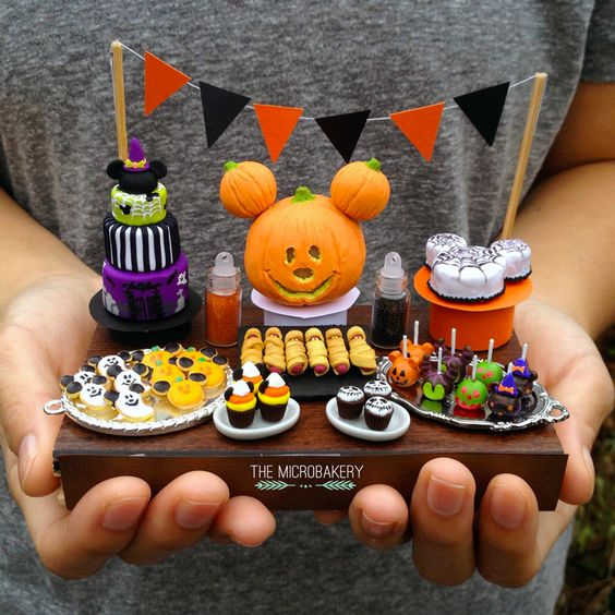 Disney party table / food display, cute Mickey pumpkin for Halloween
