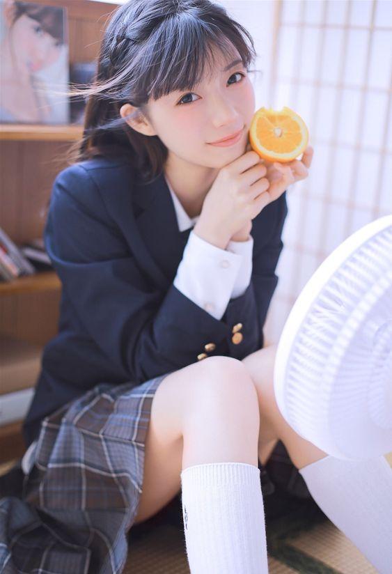 校園制服美少女 準備來吃柳丁囉!》Cute Girl Pretty Girls 漂亮、可愛、無敵》青春就是無敵》