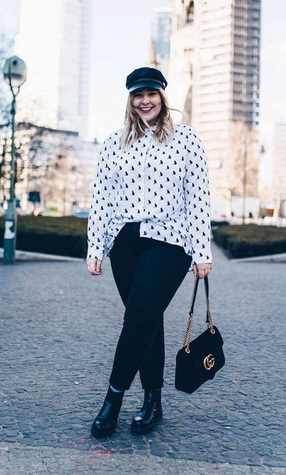 @unboundedambition zeigt eine tolle Kombination mit Denim. Die locker sitzende Bluse mit Animal Druck kreiert einen aufregenden Look.