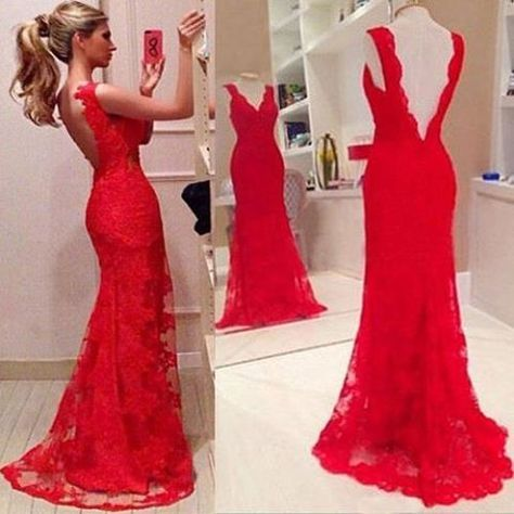 Wanna be the most elegant and charming goddess? Wanna be the focus in the gatherings? Then you can try this party dress. It features red color,which can make you get noticed. Backless style,with floor-length hemline design. In it,you would be the sexy queen.