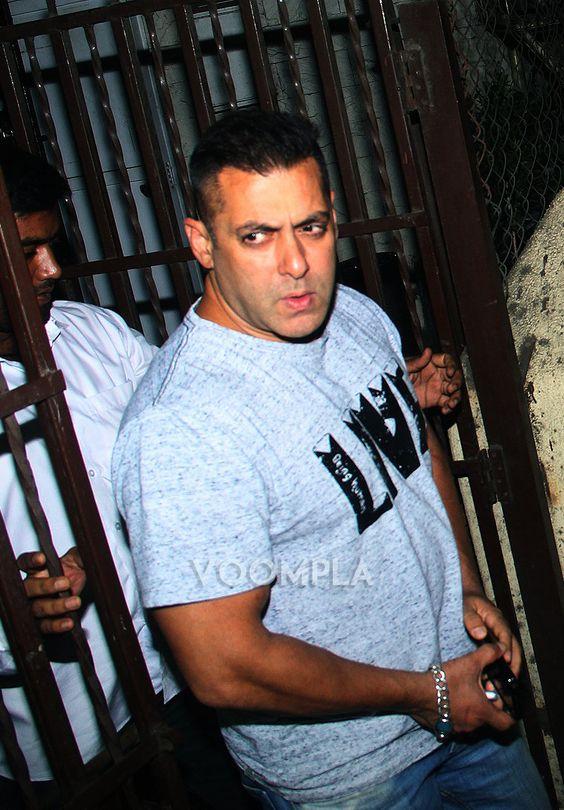 Salman Khan's angry look! via Voompla.com