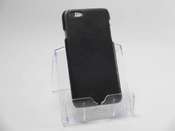 iPhone6用のハードケースです。牛革を貼り合わせ、上品なケースに仕上げました。革の裁断切り口とケースとの接続面に、仕上げ塗料を塗る事で、はがれにくく、滑ら...|ハンドメイド、手作り、手仕事品の通販・販売・購入ならCreema。