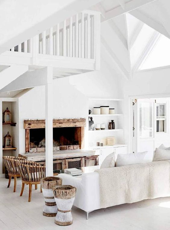 cozy white//wood living room