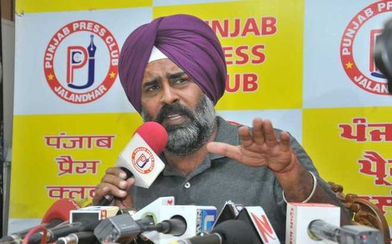 "Jalandhar - A day after his suspension from the Akali Dal, Jalandhar Cantonment MLA Pargat Singh today took on party president Sukhbir Badal, terming him as a ""visionless leader who takes decisions as per his own whims and fancies"".  #punjabnews #punjab #news #government  http://thepunjabnews.in/news/pargat-slams-sukhbir-for-ruining-akali-dal"
