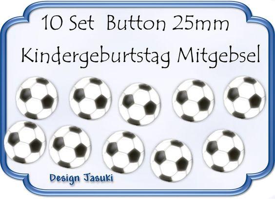 10 Set Button Fußball,Kindergeburtstag Mitgebsel von Jasuki auf DaWanda.com