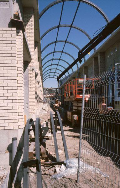 Reconstructie van de Wierdensestraat ter hoogte van V&D. Op deze plek zou de Galerij verrijzen. | Mijn Stad Mijn Dorp