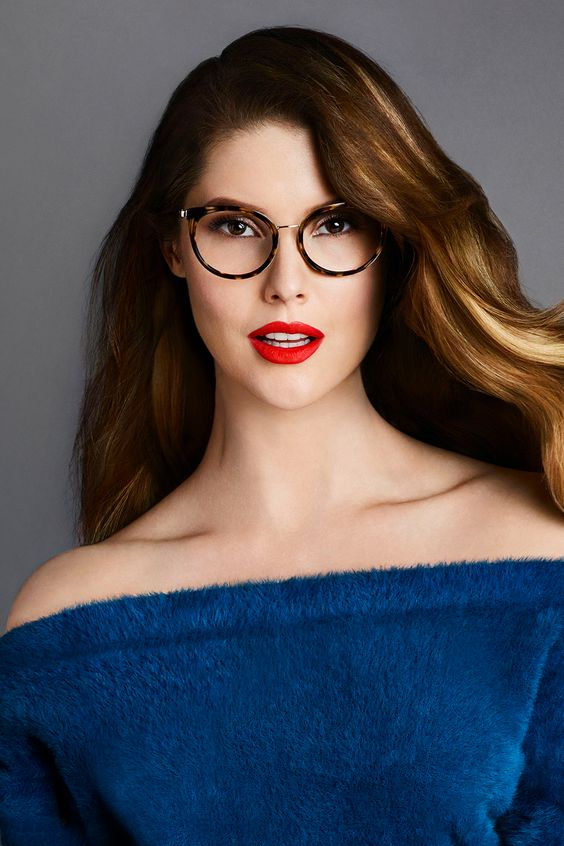Update your eyewear this season with the #GUESSEyewear fall collection. See style inspiration from celebrity influencer Amanda Cerny