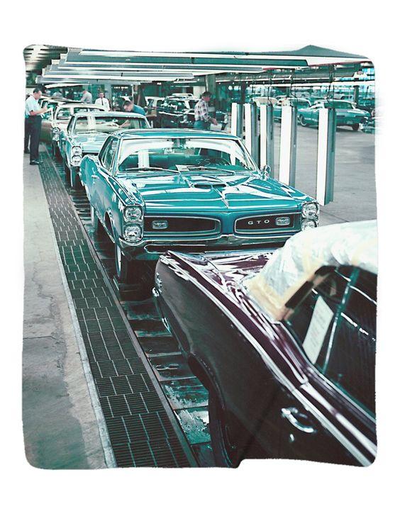 Pontiac 2010 Vibe Owner's Manual
