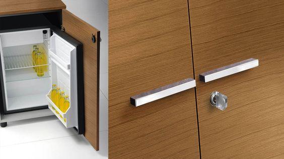 Formschöne Schrankgriffe aus Metall in Aluminiumfarben oder Chromoptik passend zu allen Aktenschrank-Türen Unzählige Optionen wie Hängeregistratur oder Kühlbox-Kuehlschrank ergänzen die Platinum Schrankfamilie