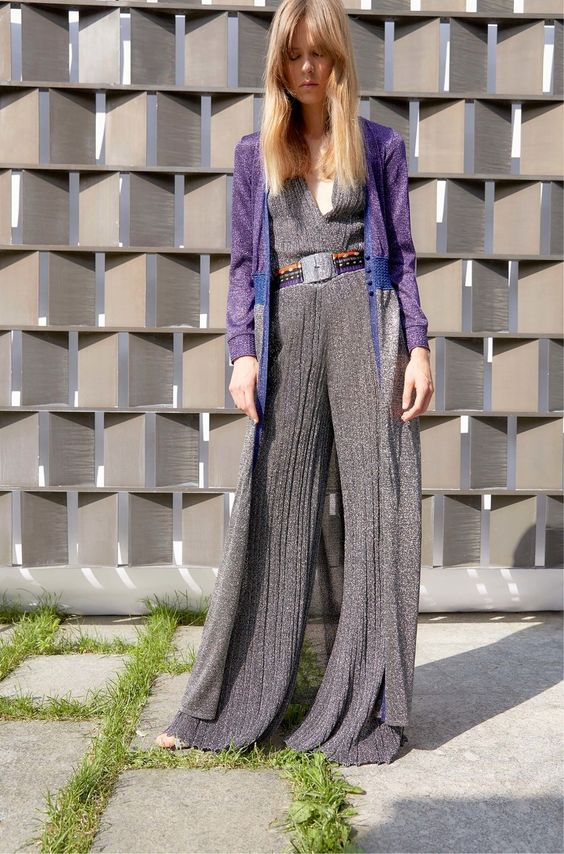 Missoni Resort 2017 collection, runway looks, beauty, models, and reviews.